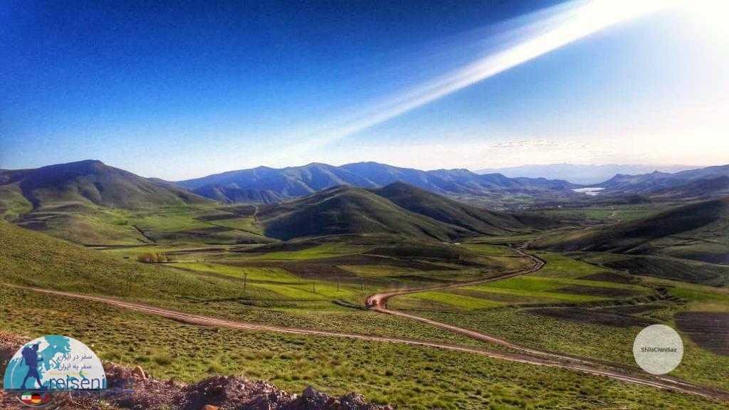 نمای دریاچه سد تهم از دور