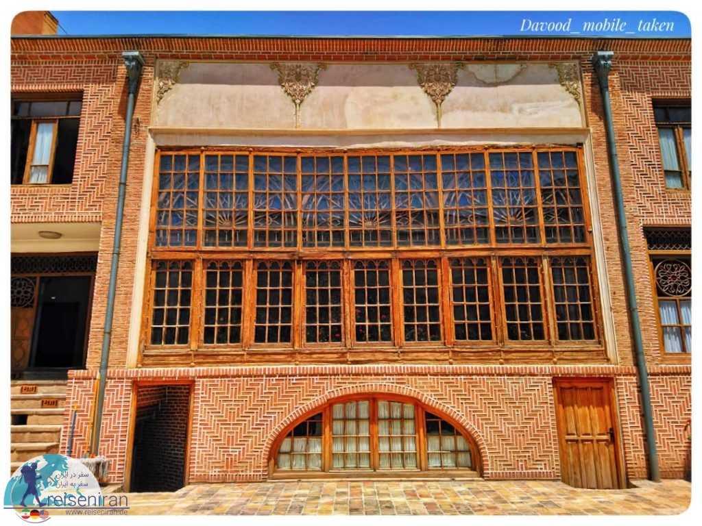پنجره های چوبی خانه سلماسی تبریز
