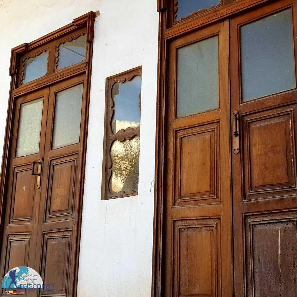 دربهای چوبی خانه زند