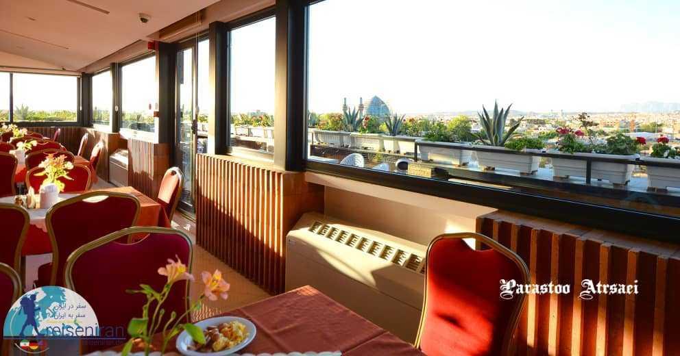 رستوران بام هتل شیخ بهایی اصفهان