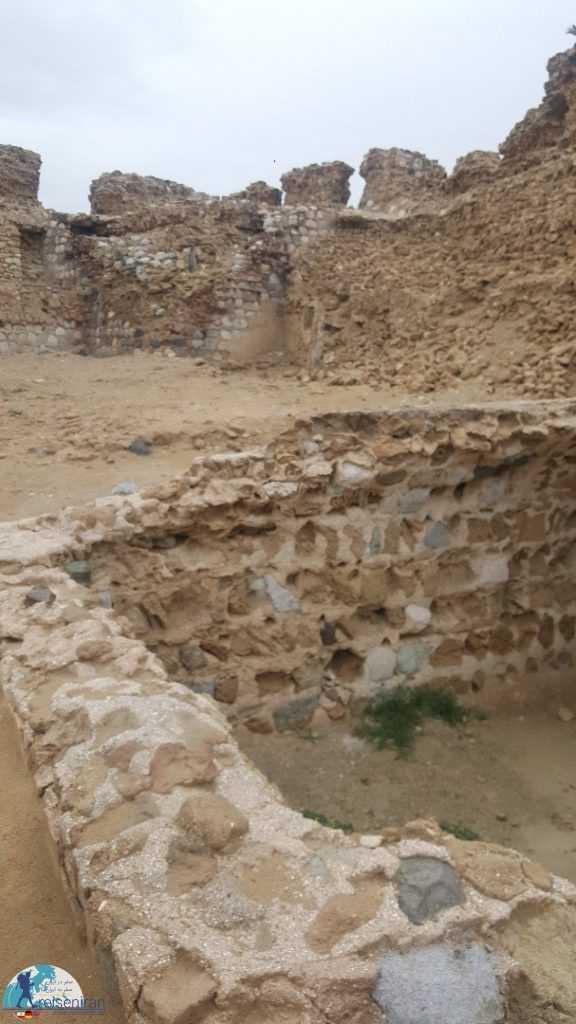 دیواره های قلعه پرتغالی های قشم