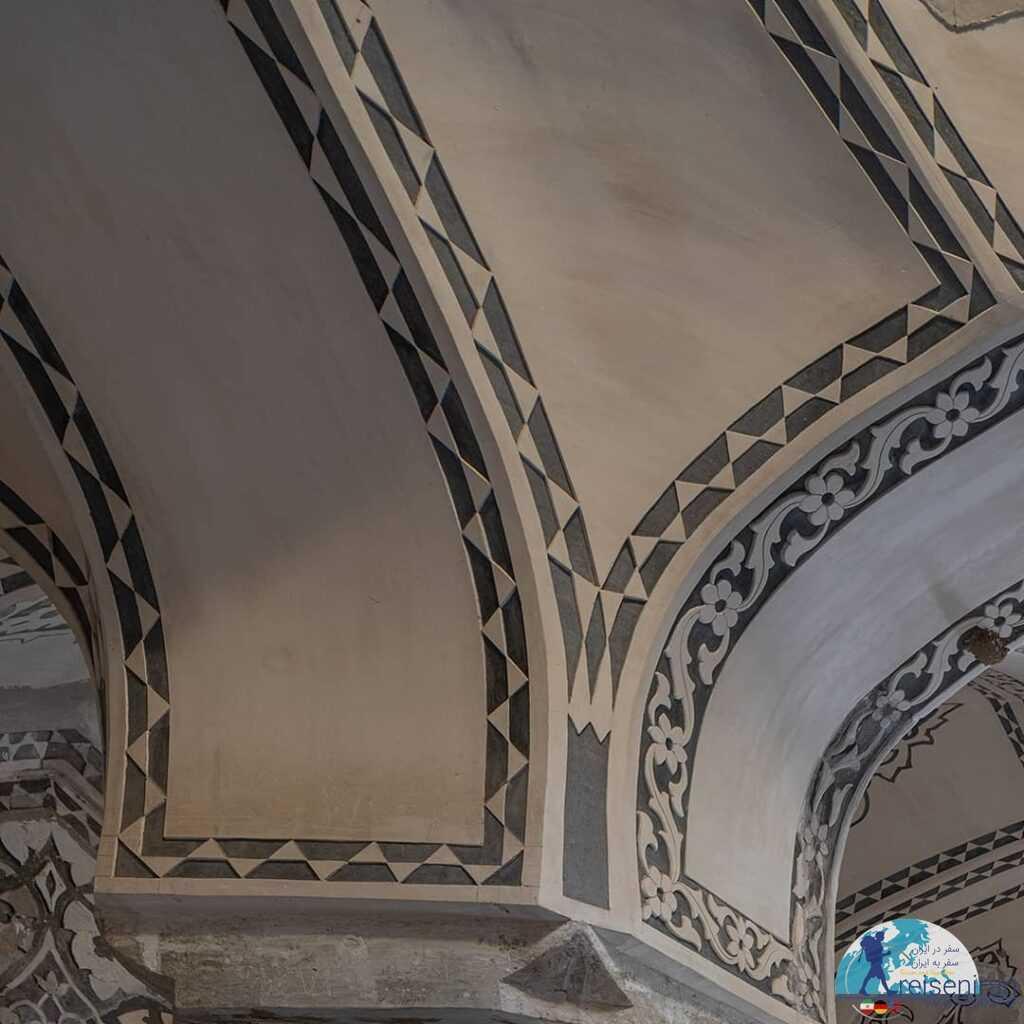 تزئینات سقف حمام باغ فین