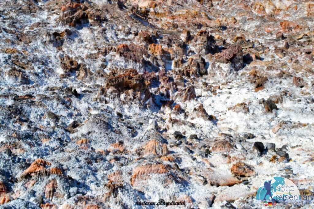 عکس کوه نمکی جاشک