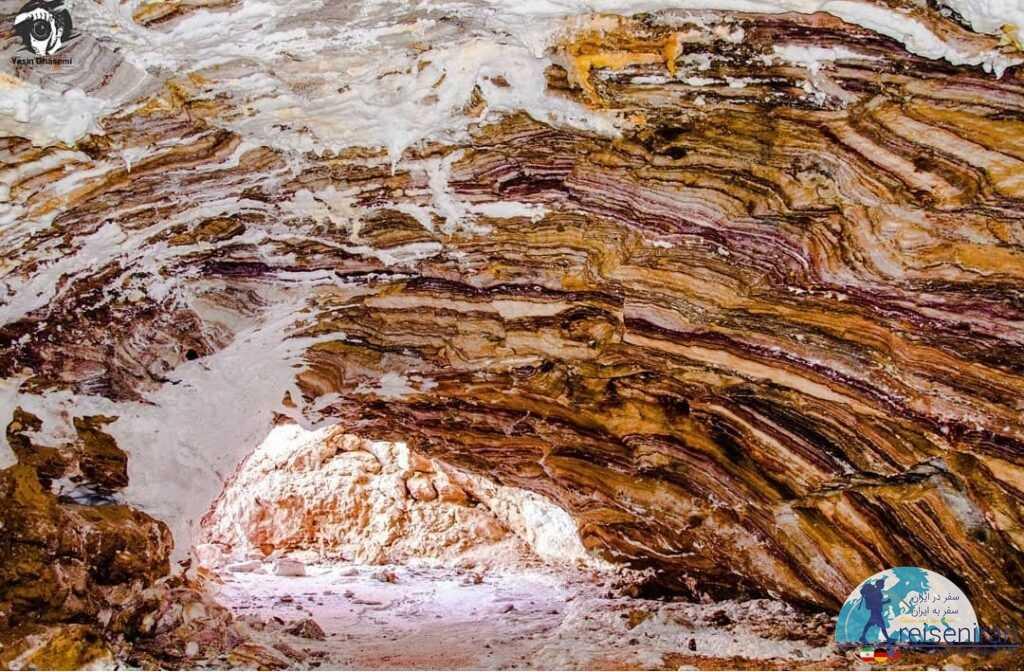 لایه های داخلی غار نمکدان قشم