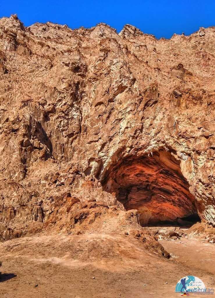ورودی غار نمکدان