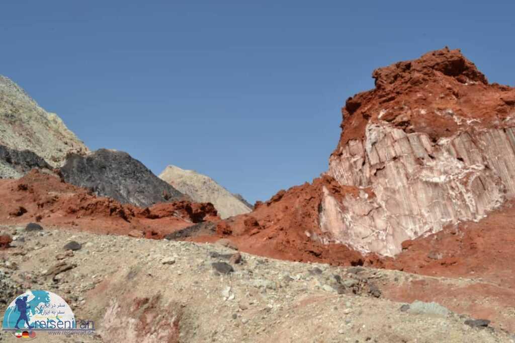 کوه های دره زعفرانی