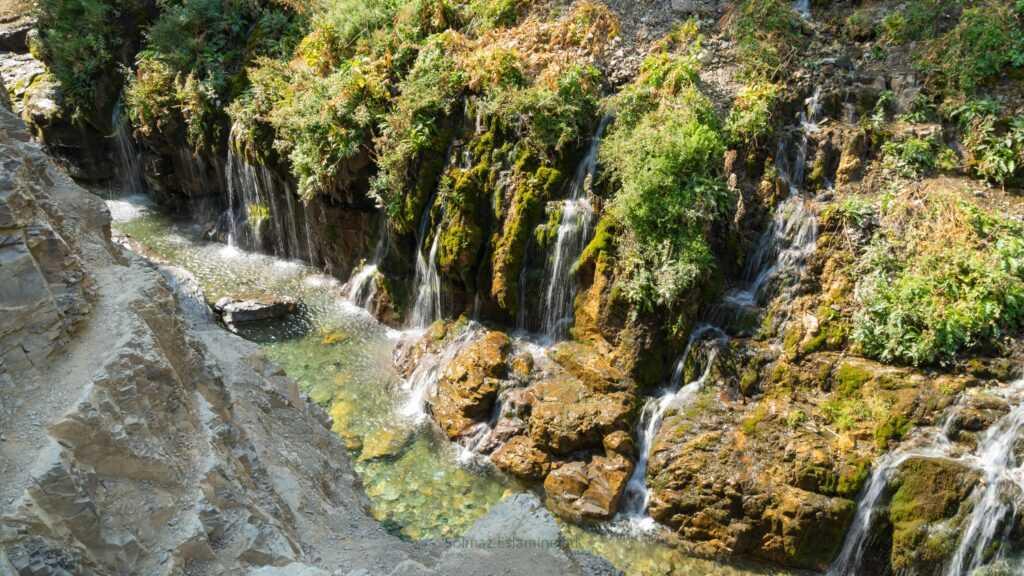 آبشار هفت چشمه ارنگه