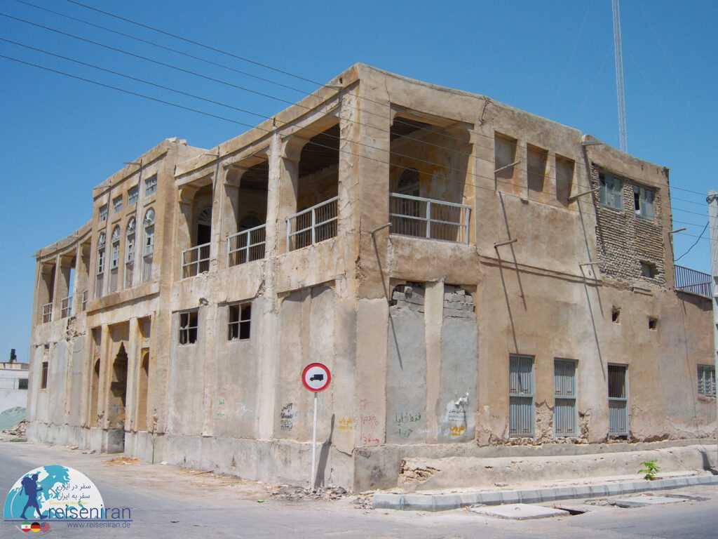بنای قدیمی شهرداری بندرلنگه