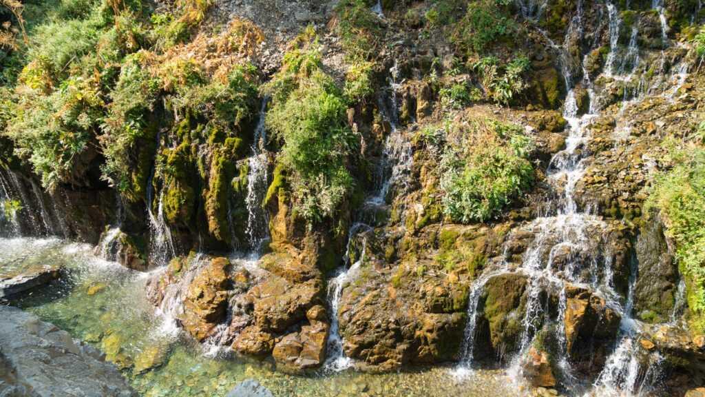 زیبایی آبشار هفت چشمه البرز