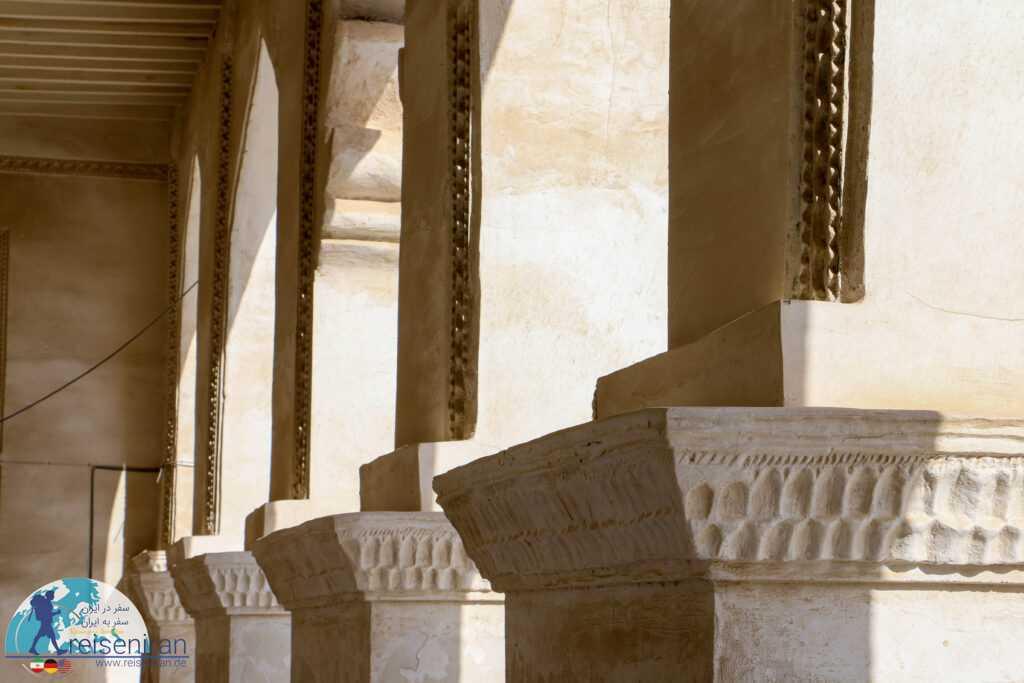 ستون های مسجد افغان بندرلنگه