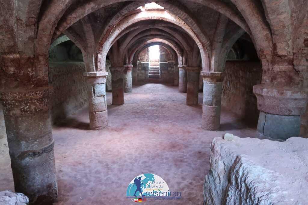 عکس کلیسای قلعه پرتغالی ها هرمز