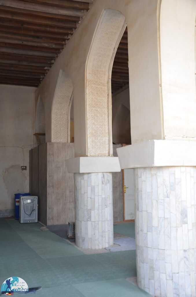ستون های مسجد شیخی بندر لنگه