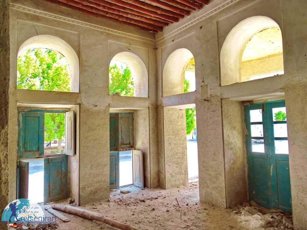 وضعیت نامناسب شهرداری قدیم بندرلنگه