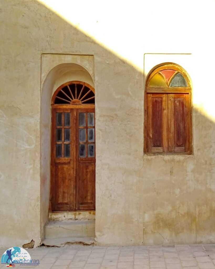 پنجره و درب خانه فکری