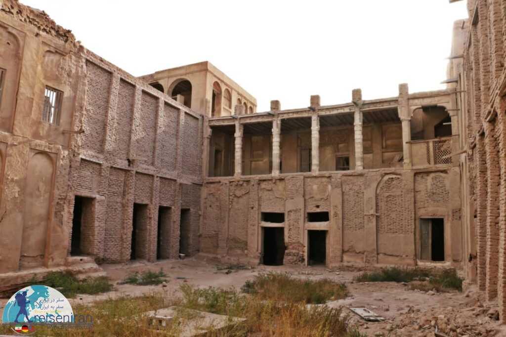 داخل قلعه المرزوقی مغویه