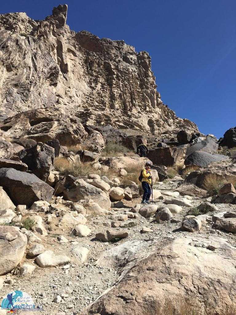 در مسیر غار ایوب
