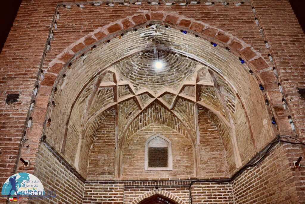سردر مسجد میان ده بشرویه