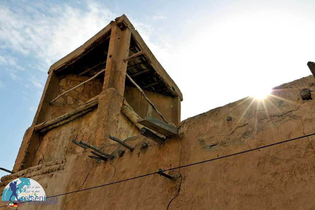 عکسی از بادگیرهای قدیمی بندرلنگه