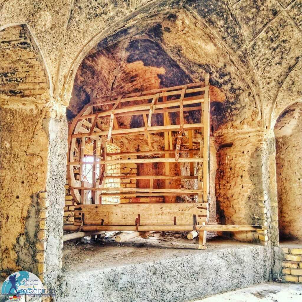 عکسی از قلعه روستای دولت آباد قم