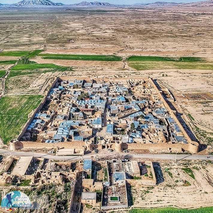 عکس هوایی قلعه روستای دولت آباد قم
