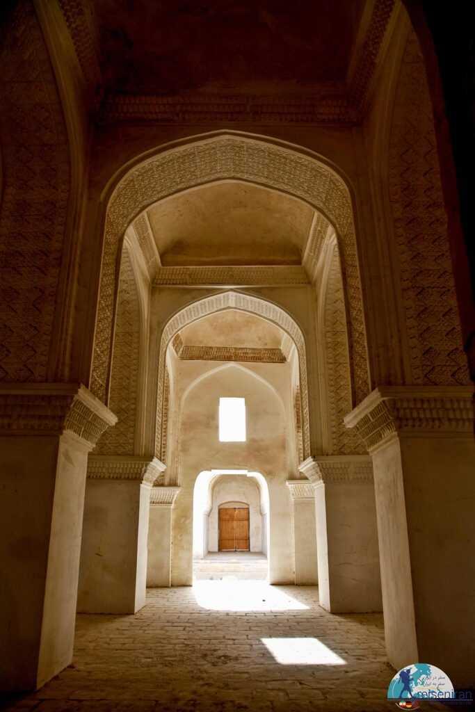 معماری مدرسه محمدیه بندر لنگه