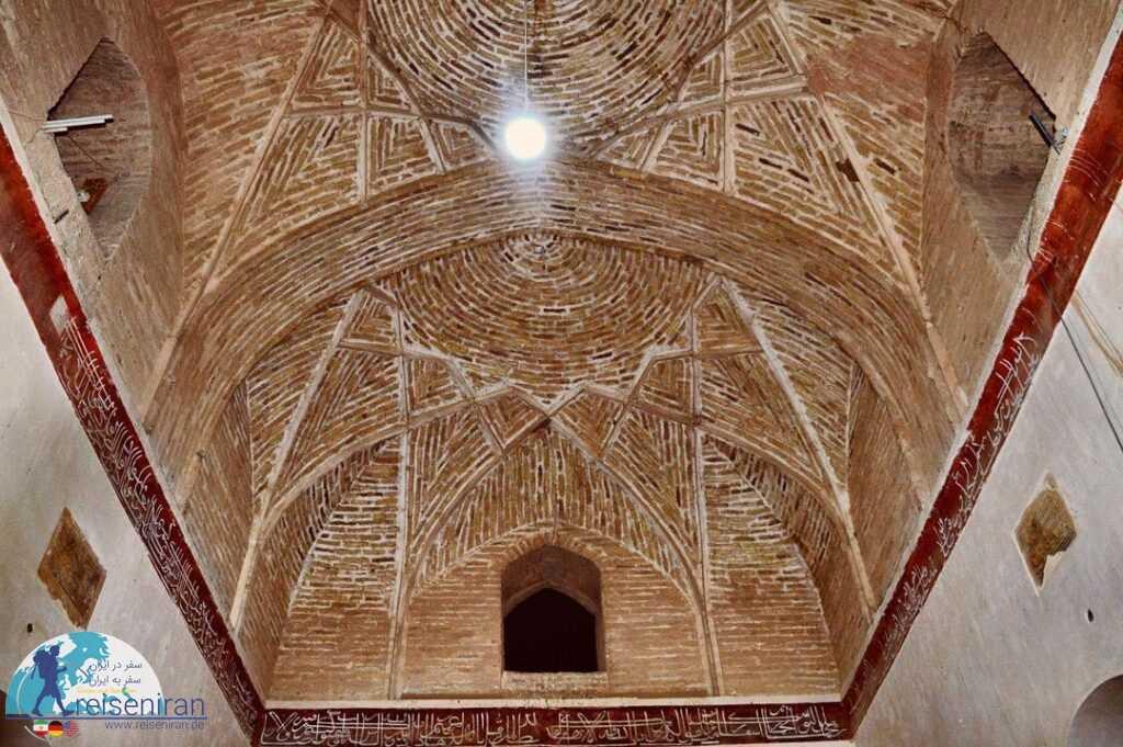معماری و تزئینات مسجده جامع میان ده