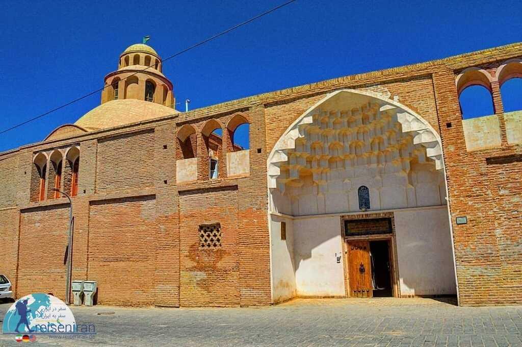 ورودی مدرسه تاریخی شوکتیه