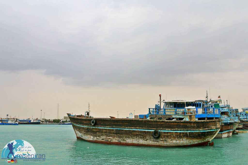 کشتی های در دریا