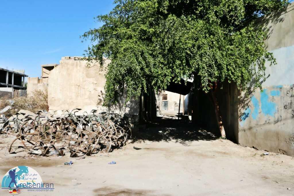 گذری در محله قدیمی بندرلنگه