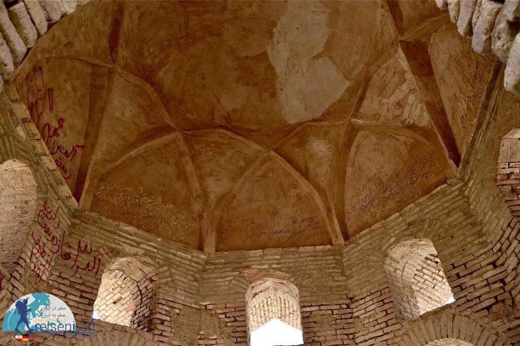 معماری بقعه شاه فیروز سیرجان