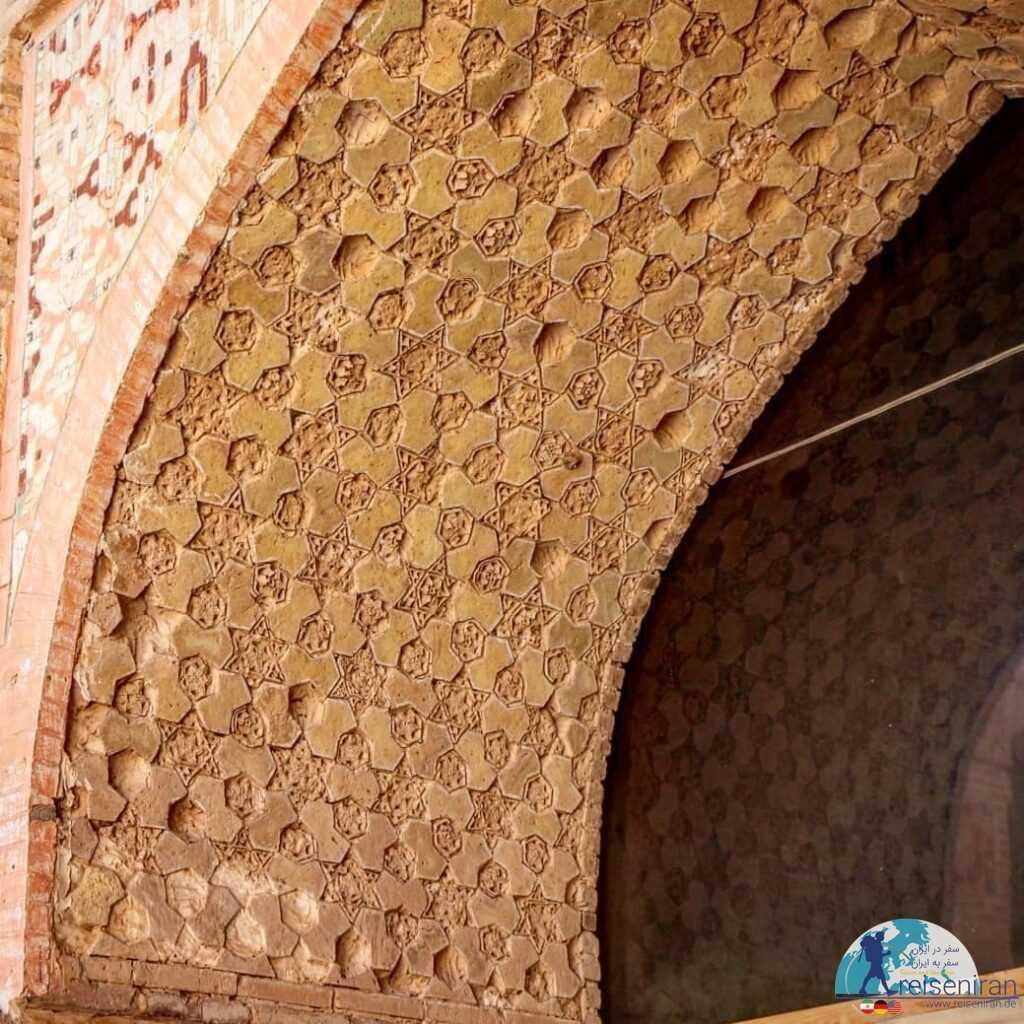 تزیینات مسجد جامع زواره