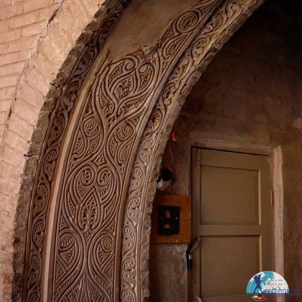 زیبایی های مسجد جامع زواره