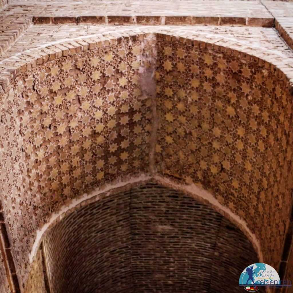 سقف صحن مسجد جامع زواره