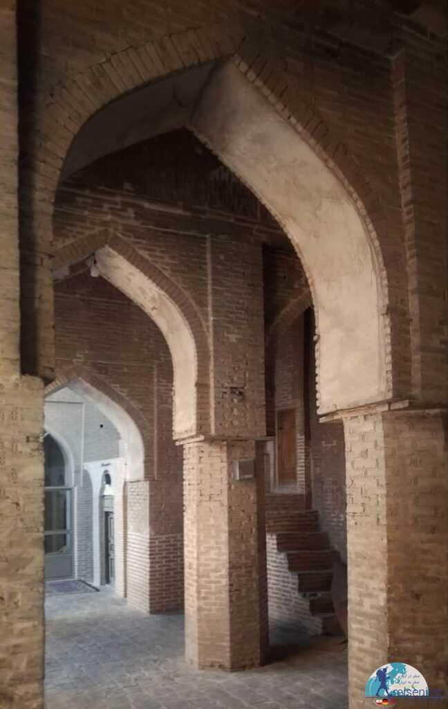 معماری مسجد جامع زواره