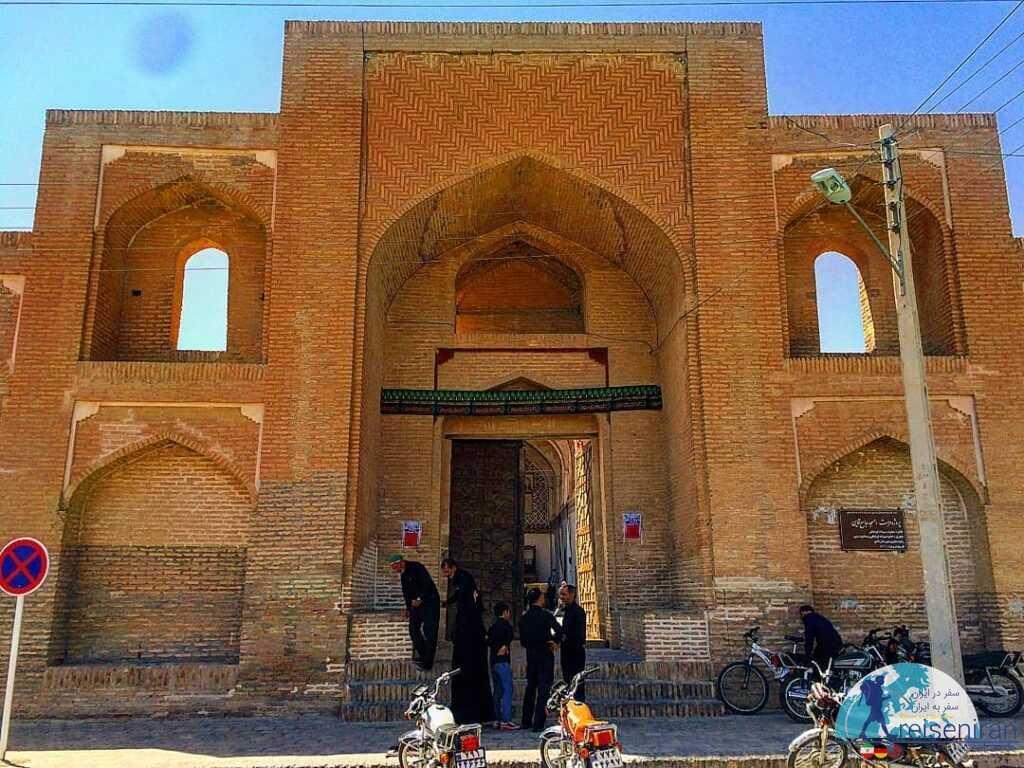 ورودیه مسجد جامع قائن