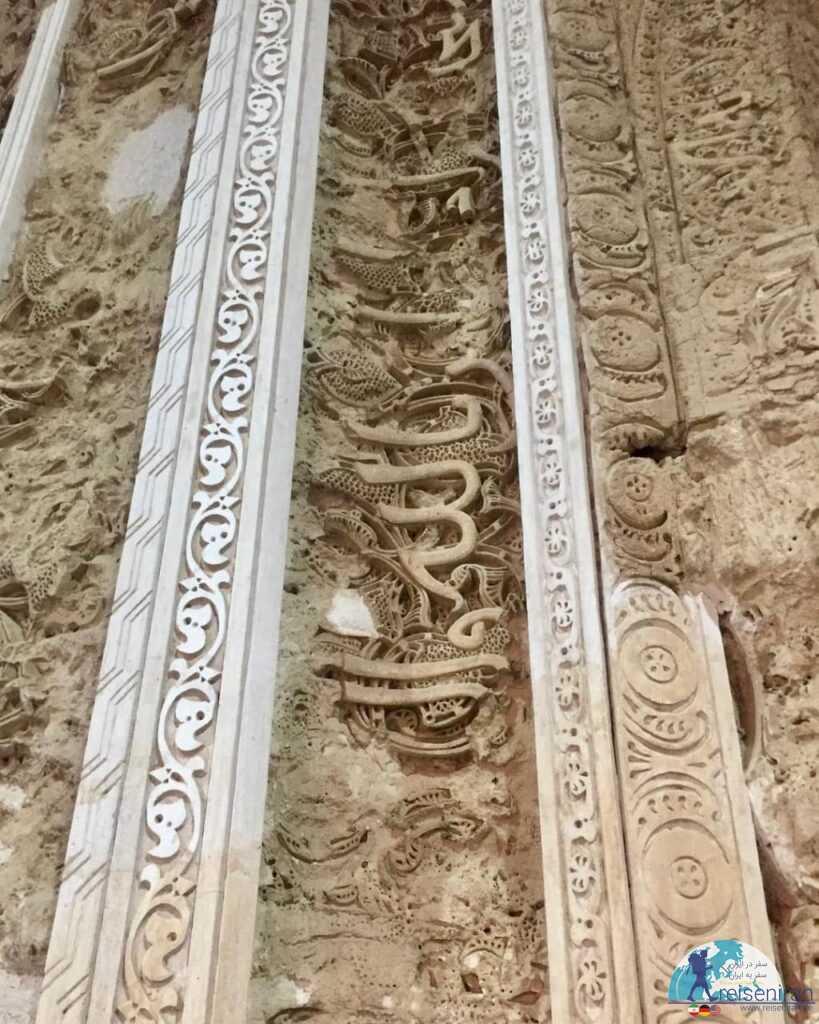 گچکاری های مسجد جامع زواره